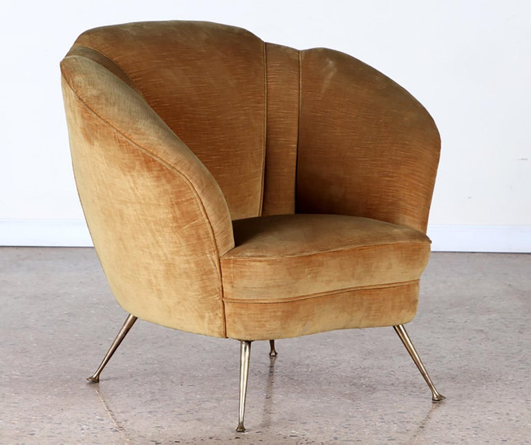 Pair of Mid-Century Modern Italian lounge chairs.