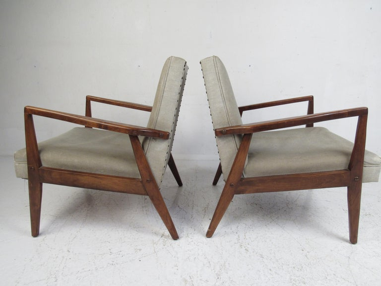 Late 20th Century Pair of Mid-Century Modern Italian Lounge Chairs For Sale