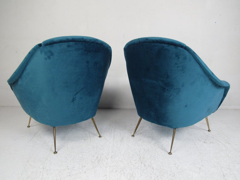 Brass Pair of Mid-Century Modern Italian Lounge Chairs For Sale
