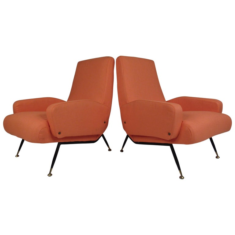 Pair of Mid-Century Modern Italian Lounge Chairs For Sale