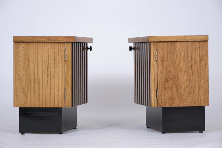 Pair of Midcentury Lacquered Nightstands 4