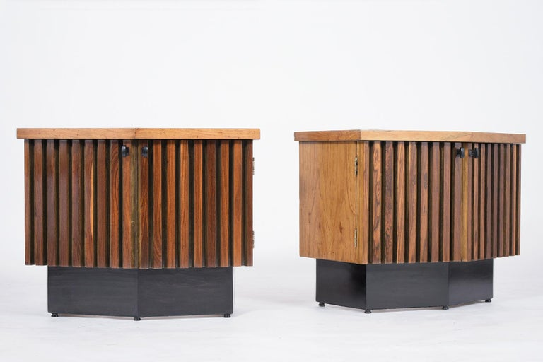 Mid-Century Modern Pair of Midcentury Lacquered Nightstands