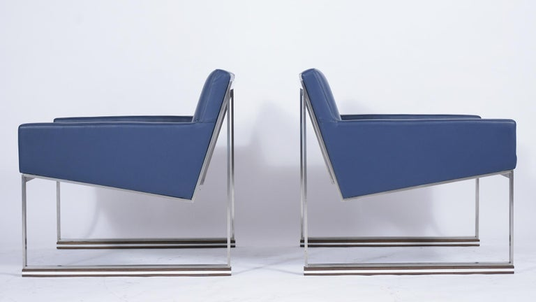 Pair of Mid-Century Modern Lounge Chairs For Sale 3