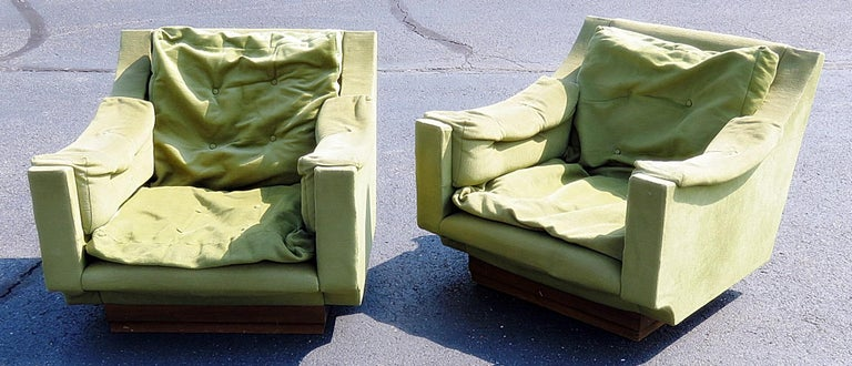 Pair of Italian Mid-Century Modern lounge chairs.