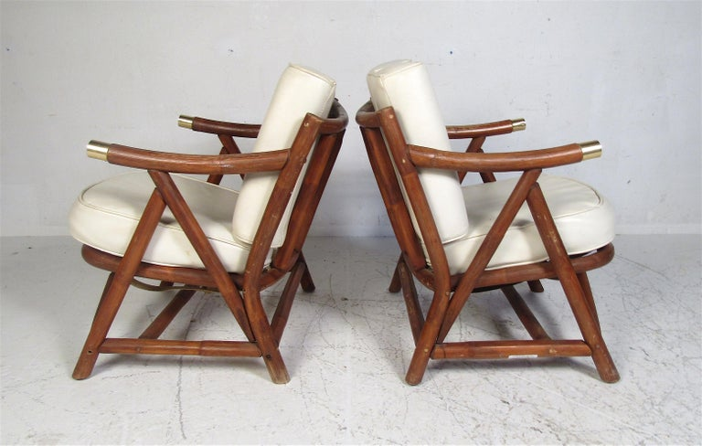 Pair of Mid-Century Modern Lounge Chairs In Good Condition For Sale In Brooklyn, NY