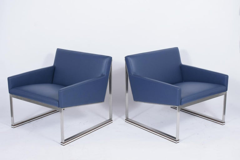 Pair of Mid-Century Modern Lounge Chairs In Good Condition For Sale In Los Angeles, CA