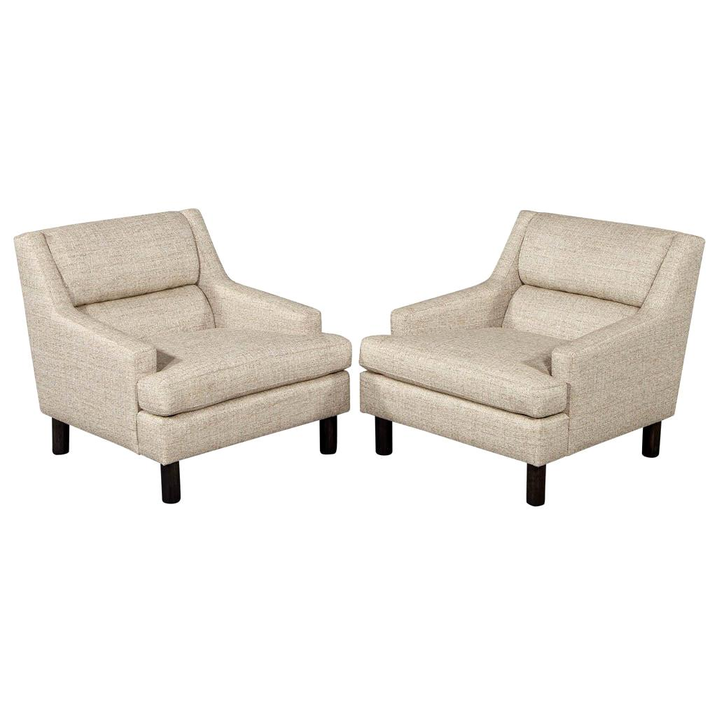 Pair of Mid-Century Modern Lounge Chairs in Designer Linen