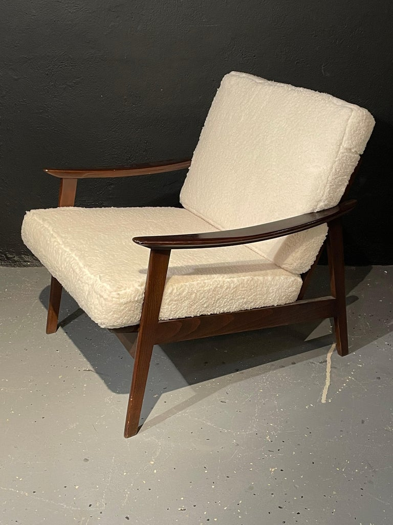 Pair of Mid-Century Modern Lounge Chairs Style of Ib Kofod-Larsen Plush Sherpa In Good Condition In Stamford, CT