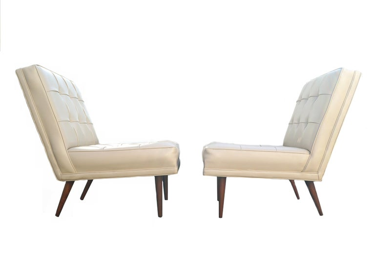 Late 20th Century Pair of Mid-Century Modern Lounge Slipper Chairs Manner of Paul McCobb For Sale