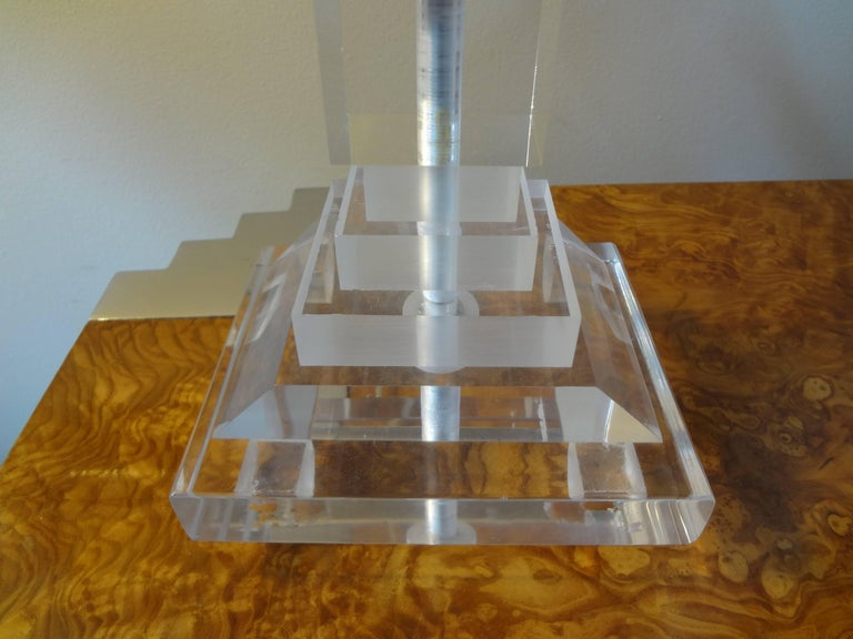 Unknown Pair of Mid-Century Modern Lucite Table Lamps For Sale