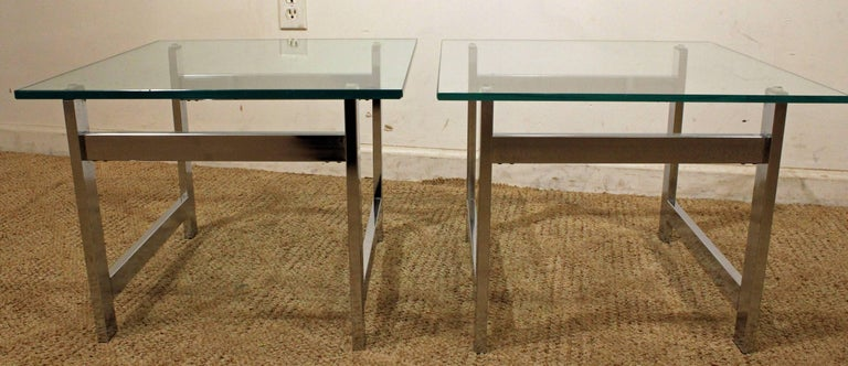 Pair of Mid-Century Modern Milo Baughman Chrome & Glass End Tables In Good Condition For Sale In Wilmington, DE