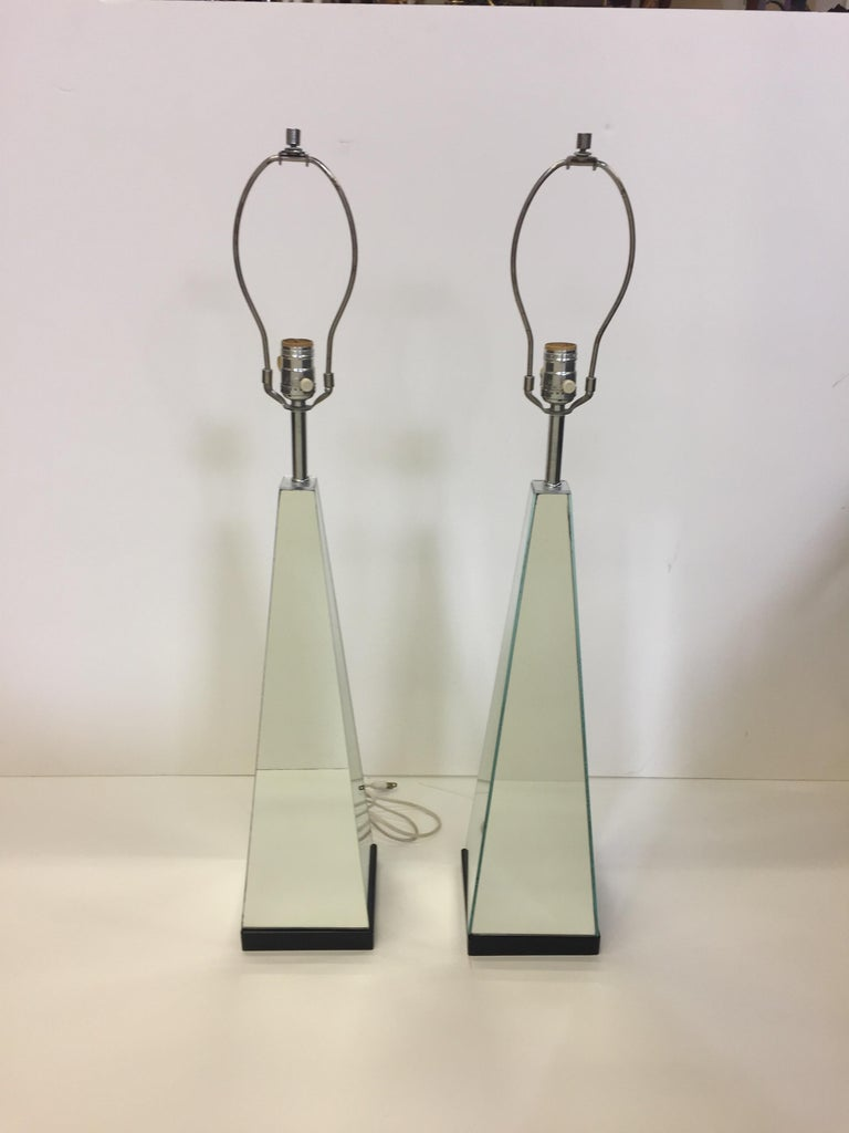 Pair of Mid-Century Modern Mirrored Obelisk Table Lamps For Sale 2