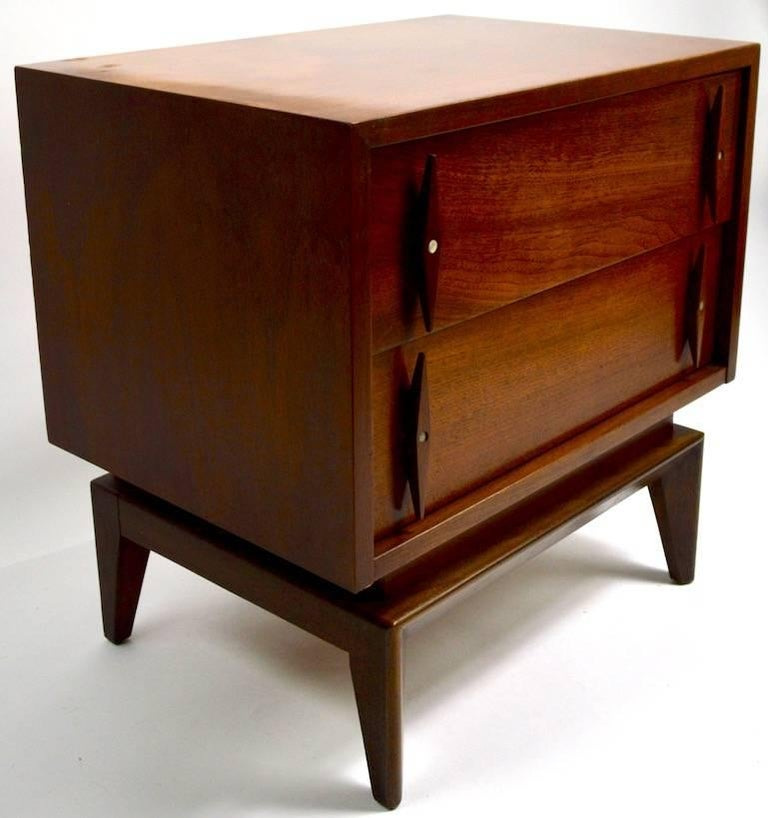Pair of Mid-Century Modern Nightstands by American of Martinsville For Sale 6