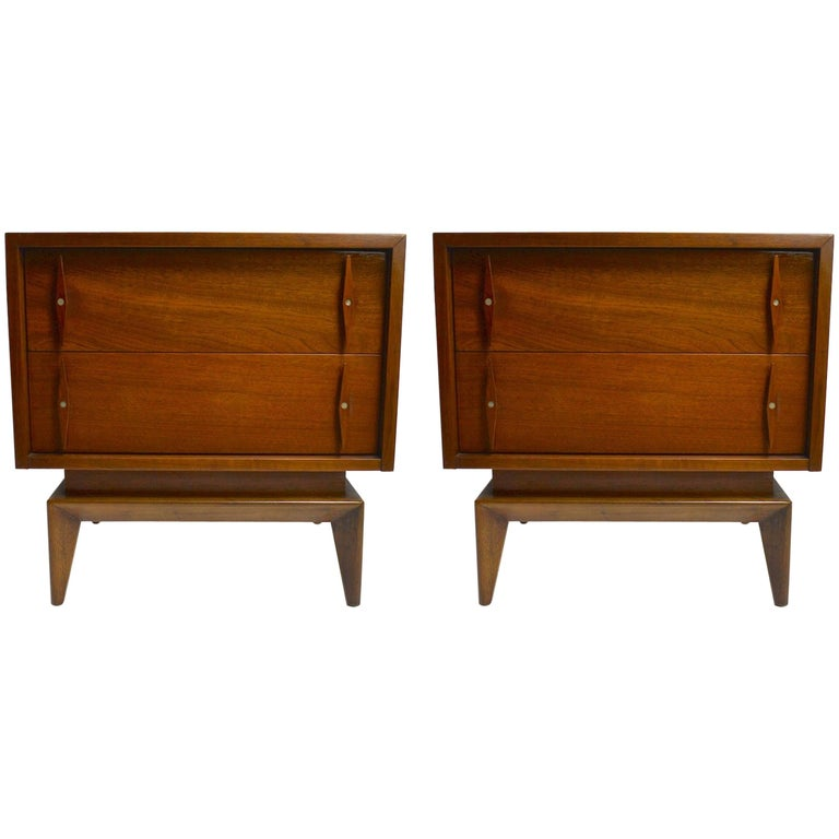 Pair of Mid-Century Modern Nightstands by American of Martinsville For Sale