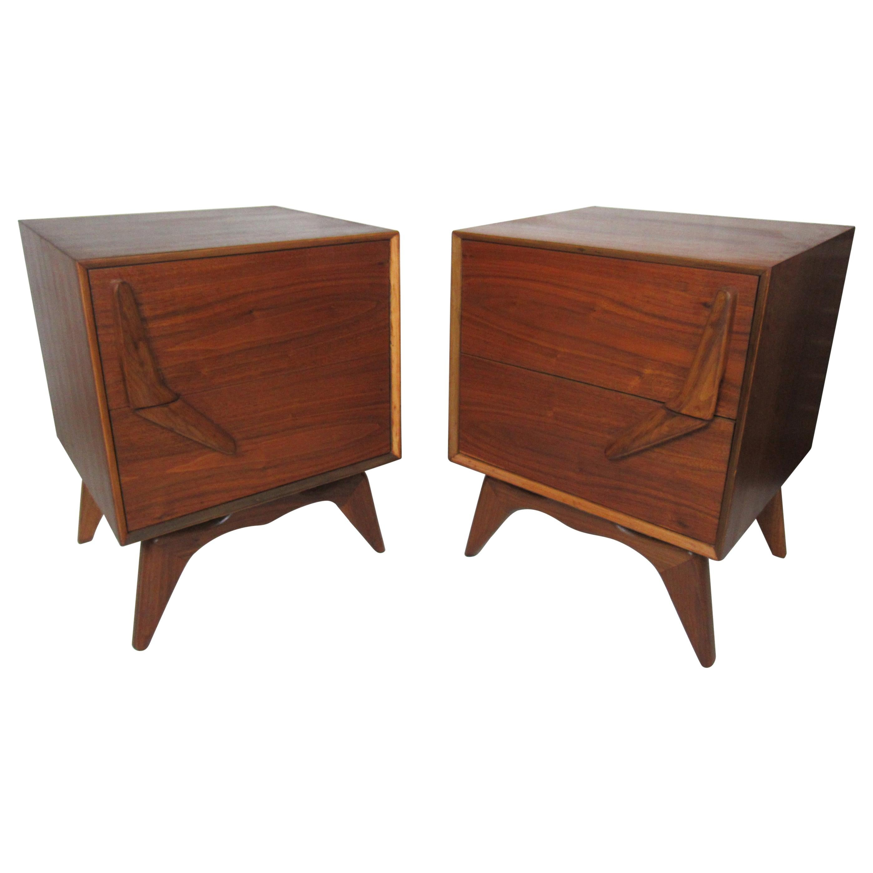 Pair of Mid-Century Modern Nightstands