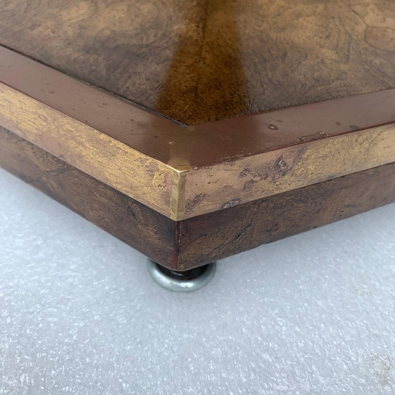 Pair of Mid-Century Modern Octagon Mastercraft Burl and Brass End Tables Stands For Sale 6