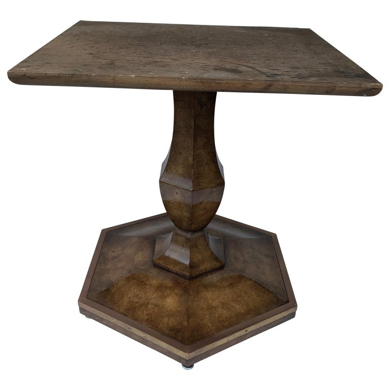Pair of Mid-Century Modern Octagon Mastercraft Burl and Brass End Tables Stands In Good Condition For Sale In Haddonfield, NJ