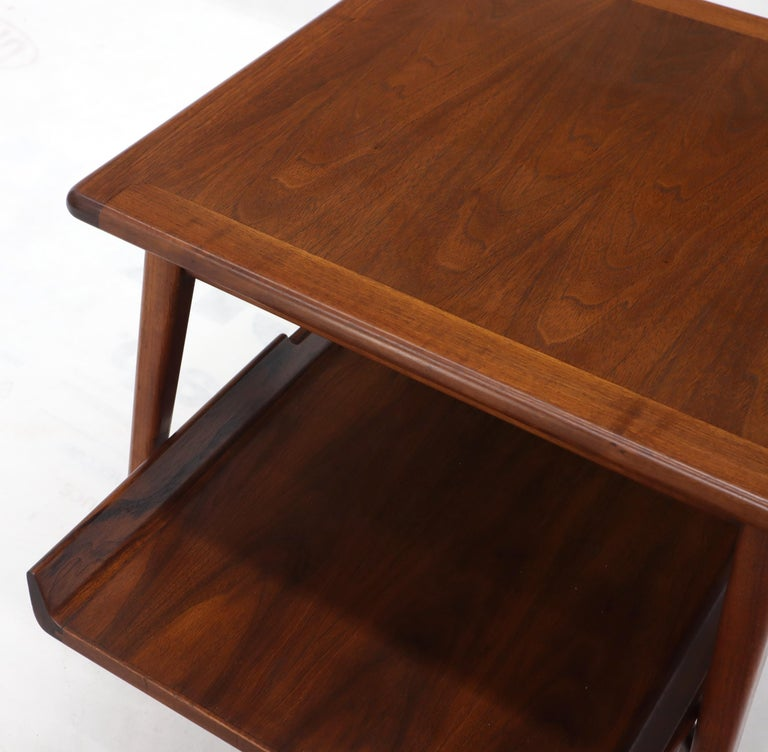 Pair of Mid-Century Modern Oiled Walnut End Side Tables  For Sale 5