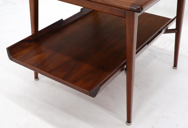 Pair of Mid-Century Modern Oiled Walnut End Side Tables  For Sale 4