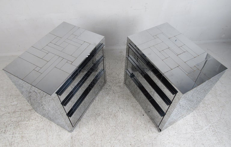 Pair of Mid-Century Modern Patchwork Floating Nightstands by Paul Evans In Good Condition For Sale In Brooklyn, NY