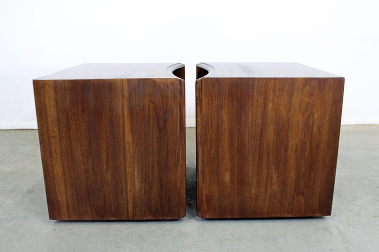 Pair of Mid-Century Modern Paul Frankl Johnson 'Emissary' Curved Nightstands For Sale 1