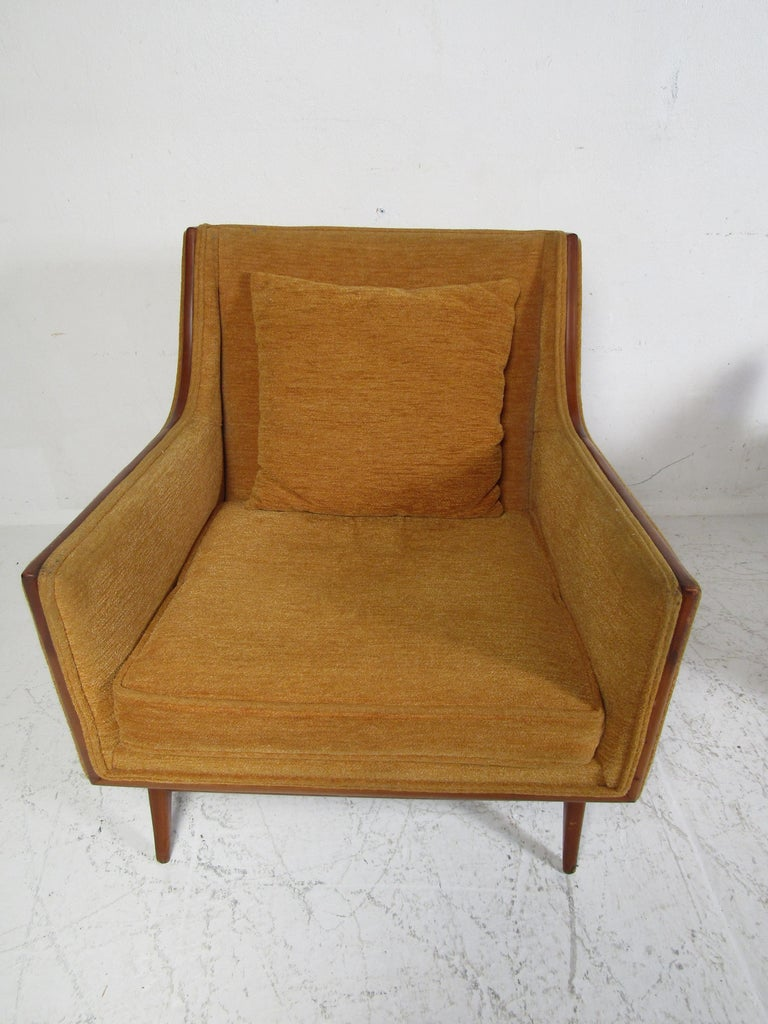 Fabric Pair of Mid-Century Modern Paul McCobb Lounge Chairs For Sale