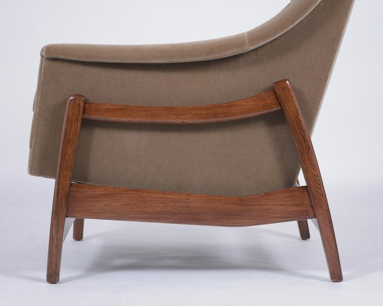 Pair of Mid-Century Modern Rocking Chairs For Sale 3
