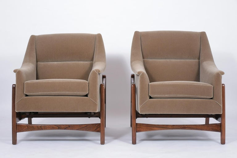 American Pair of Mid-Century Modern Rocking Chairs For Sale
