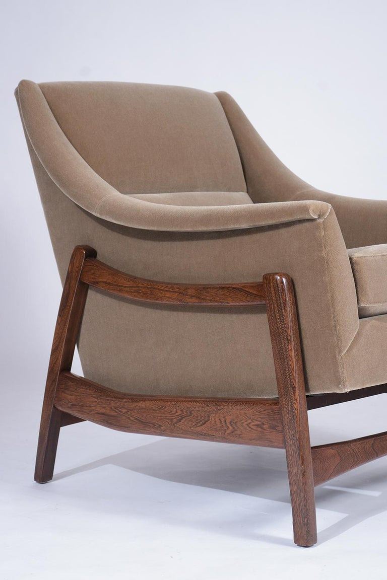 Teak Pair of Mid-Century Modern Rocking Chairs For Sale