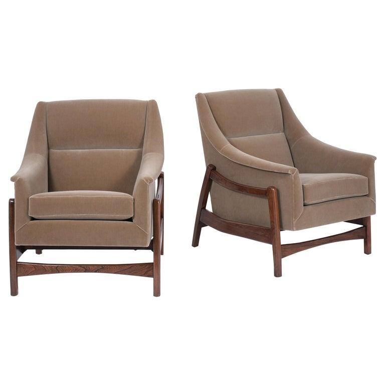 Pair of Mid-Century Modern Rocking Chairs For Sale