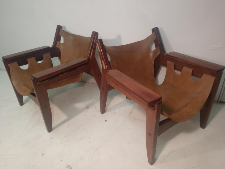 Brazilian Pair of Mid-Century Modern Rosewood & Leather Lounge Chairs by Sergio Rodrigues For Sale
