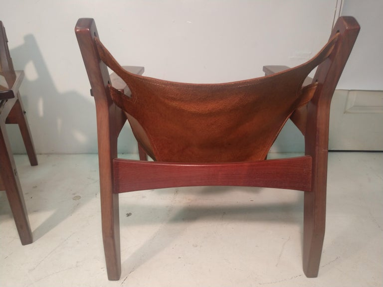 Pair of Mid-Century Modern Rosewood & Leather Lounge Chairs by Sergio Rodrigues For Sale 3
