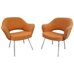 Pair of Mid-Century Modern Saarinen Executive Chairs
