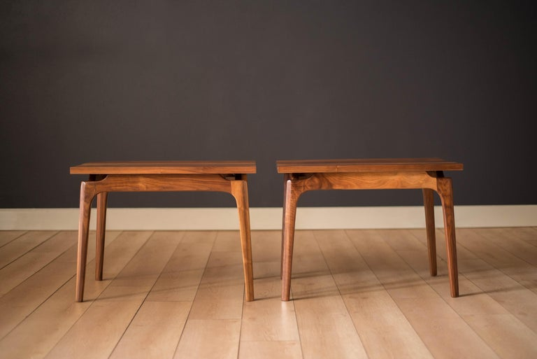 Pair of Mid-Century Modern Solid Walnut End Tables In Good Condition For Sale In San Jose, CA