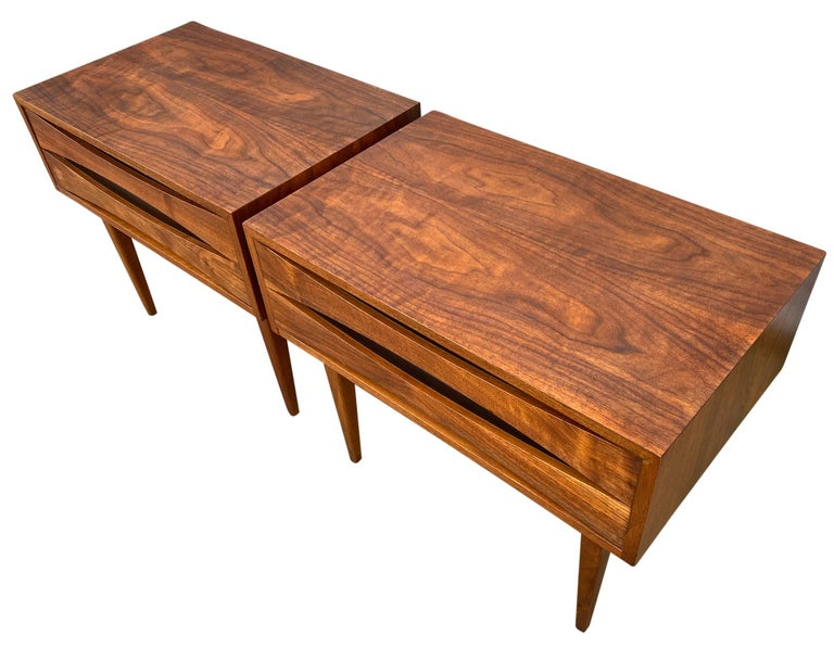 American Pair of Mid-Century Modern Solid Walnut Nightstands Style of Arne Vodder For Sale