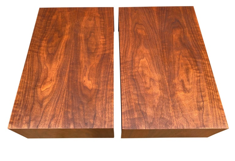 Pair of Mid-Century Modern Solid Walnut Nightstands Style of Arne Vodder For Sale 2