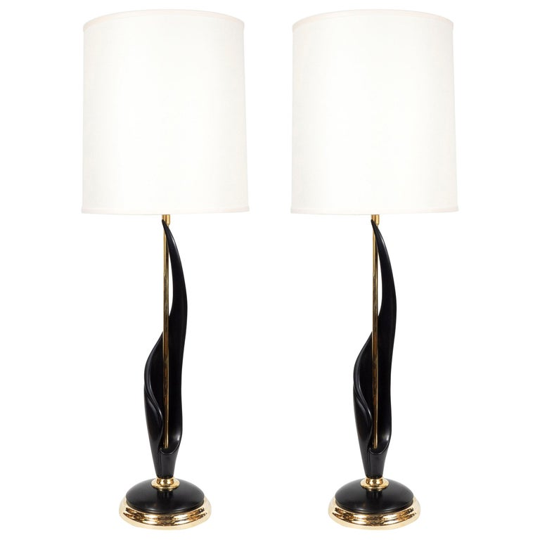 Pair of Mid-Century Modern Spiral Form Ebonized Walnut and Brass Table Lamps For Sale