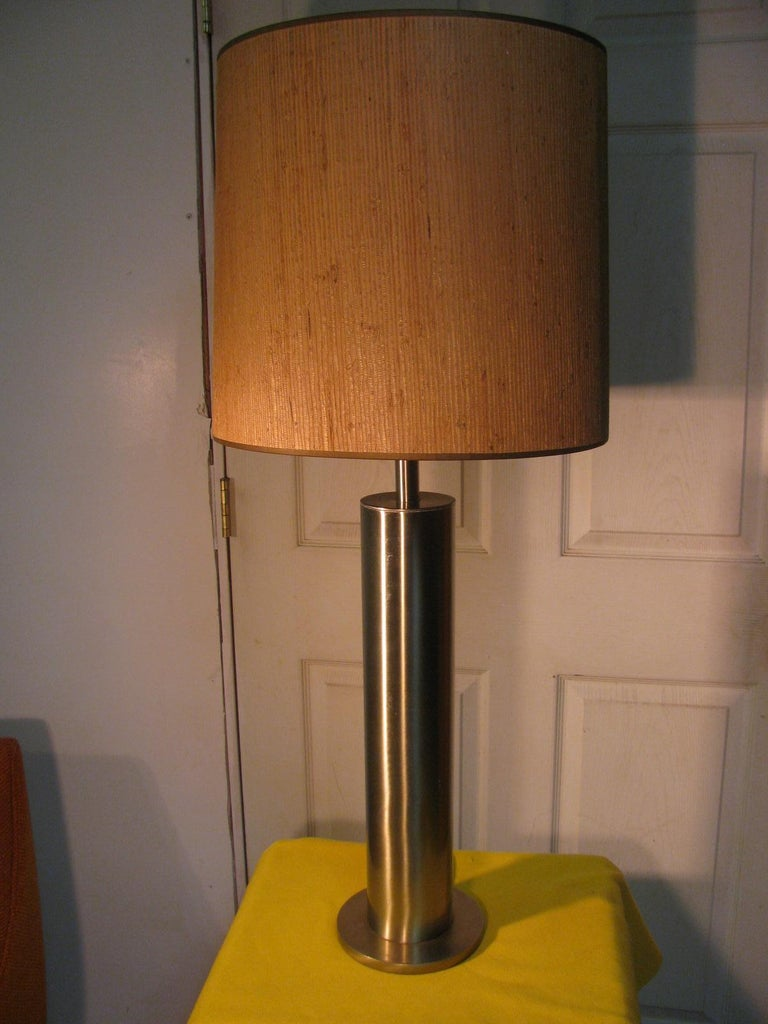 Pair of Mid-Century Modern Stainless Steel Cylindrical Table Lamps For Sale 5