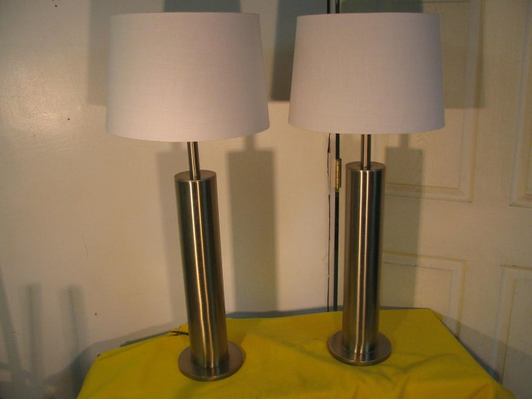 American Pair of Mid-Century Modern Stainless Steel Cylindrical Table Lamps For Sale