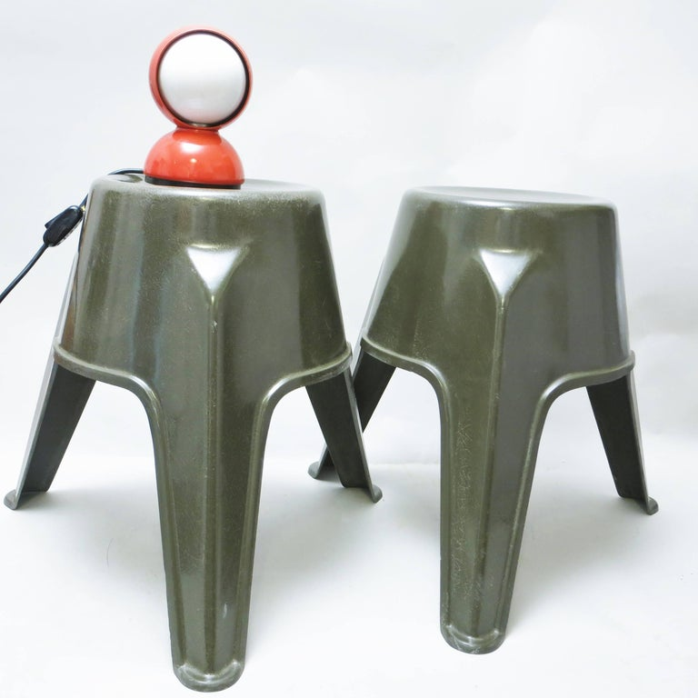 Pair of Mid-Century Modern Stools in Green Fiberglass For Sale 6