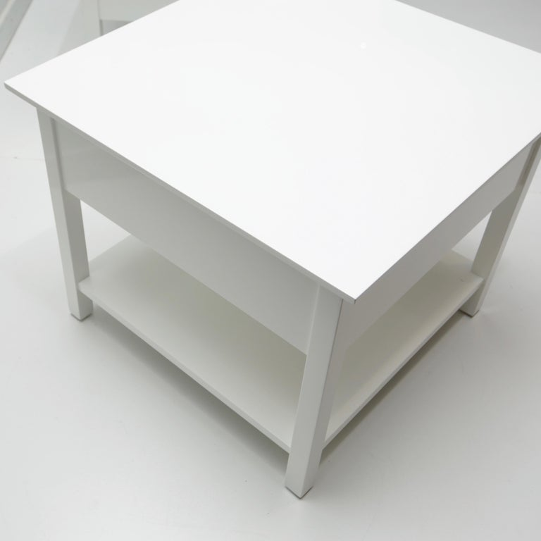 Pair of Mid-Century Modern Style Lacquered End Tables For Sale 1