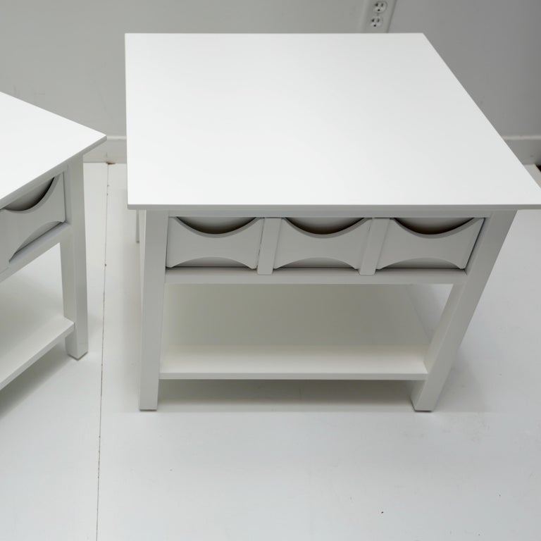 Pair of Mid-Century Modern Style Lacquered End Tables For Sale 2