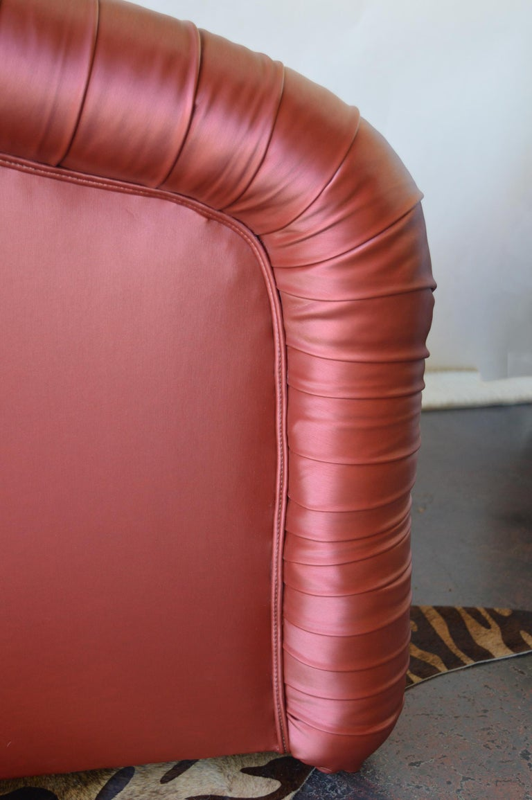Pair of Mid-Century Modern Swivel Chairs For Sale 4