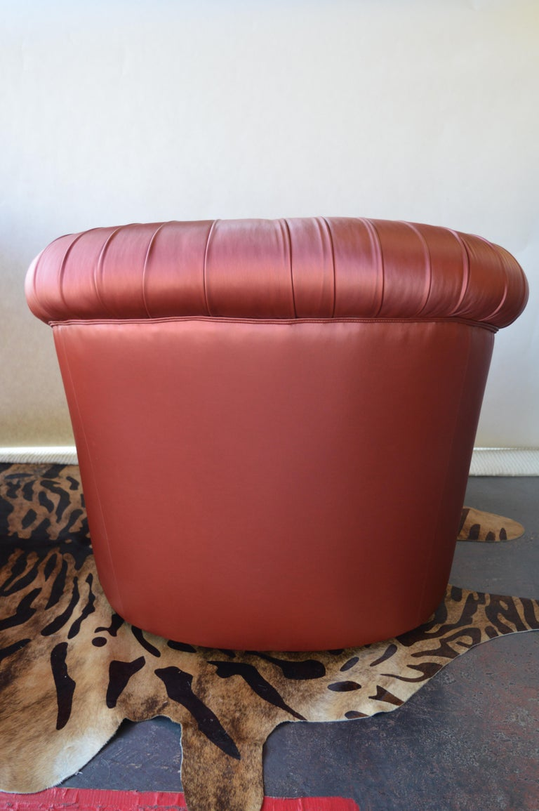 20th Century Pair of Mid-Century Modern Swivel Chairs For Sale