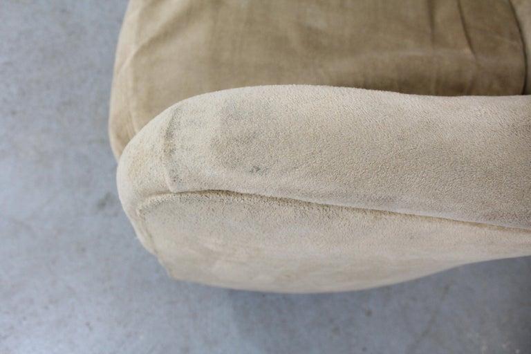 Pair of Mid-Century Modern Milo Baughman Style Walnut Base Swivel Club Chairs  For Sale 1