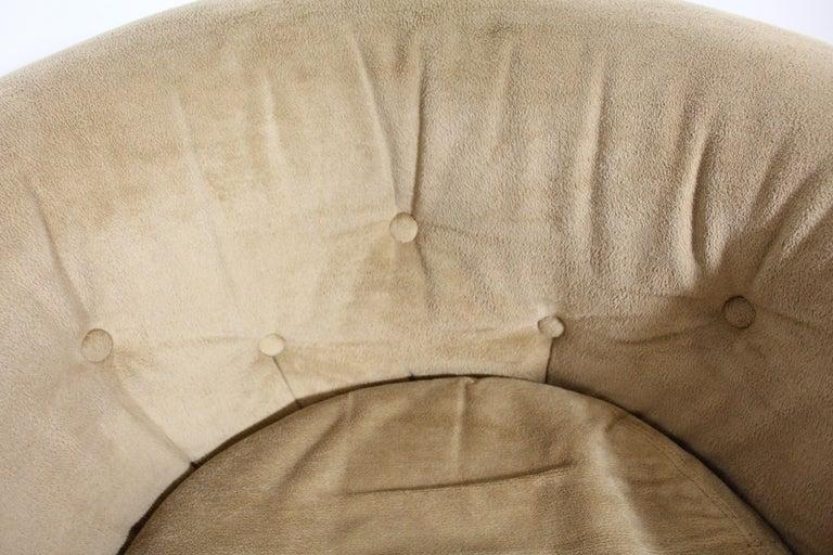 Pair of Mid-Century Modern Milo Baughman Style Walnut Base Swivel Club Chairs  For Sale 2