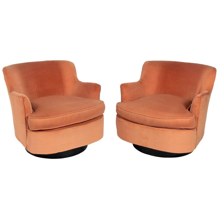 Pair of Mid-Century Modern Swivel Lounge Chairs Attributed to Adrian Pearsall For Sale