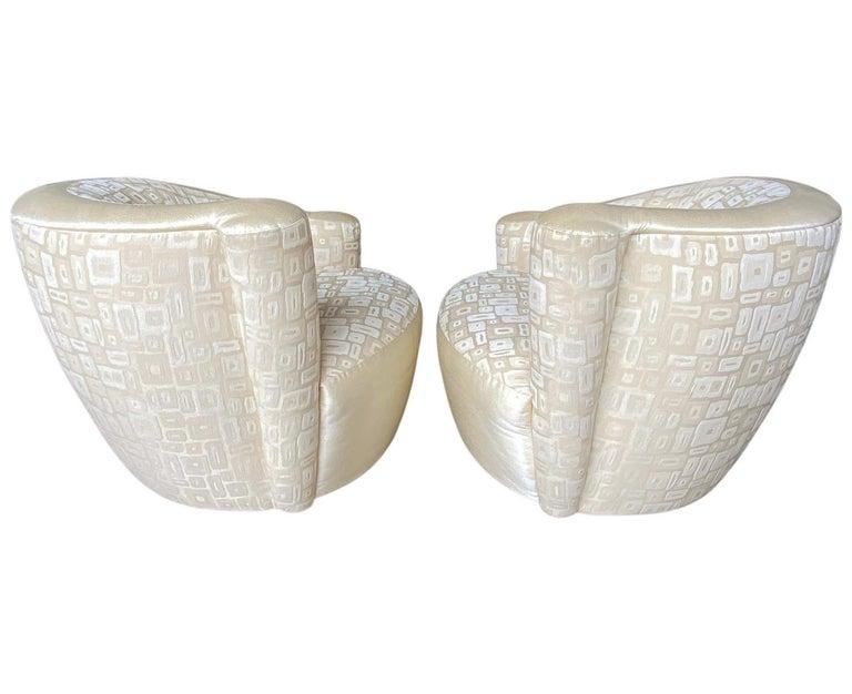 North American Pair of Mid-Century Modern Swivel Lounge Nautilus Chairs by Vladimir Kagan