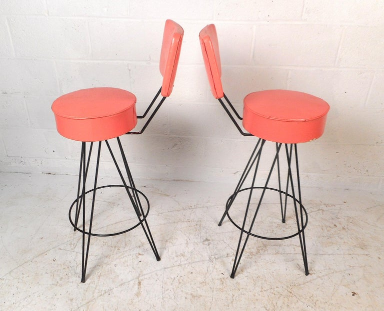 Late 20th Century Pair of Mid-Century Modern Swivel Stools For Sale