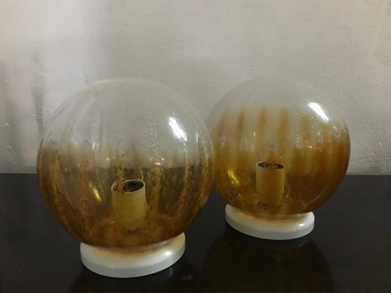 Hand-Crafted Pair of Mid-Century Modern Table Lamp by Mazzega in Murano Glass, circa 1960 For Sale